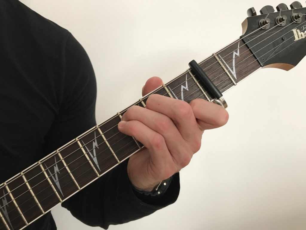 how do I use a capo picture 1